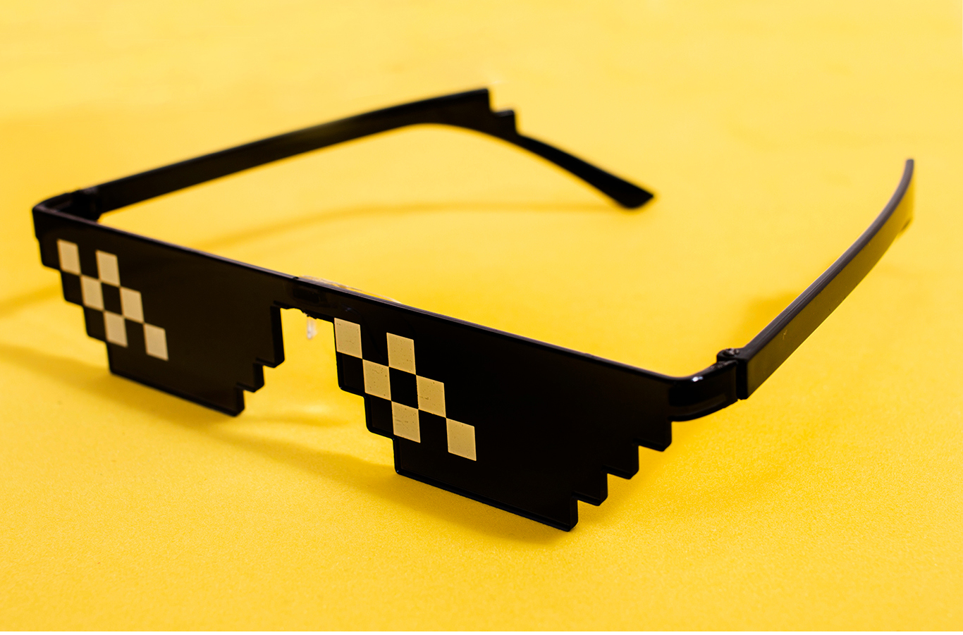 Digital Marketing memes. meme sunglasses with yellow background
